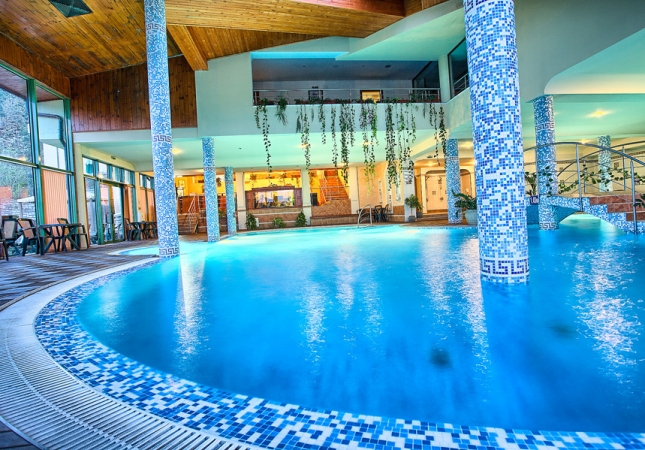 swimming-pool-01-spa-hotel-olymp-velingrad