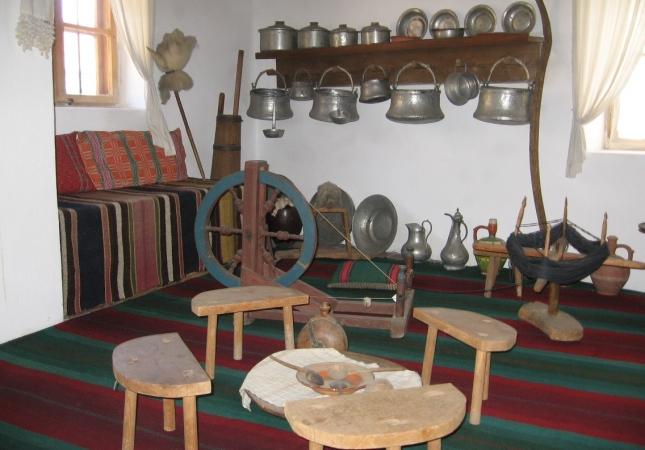 етнографска експозиция-къще (кухня)