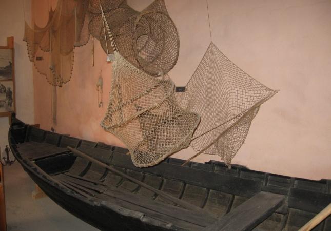 етнографска експозиция-рибарска лодка