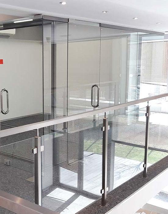 interiorno-ofis-ostuklqvane
